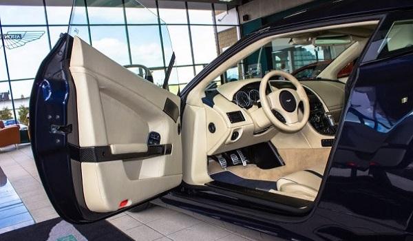 Aston Martin V12 Zagato-6