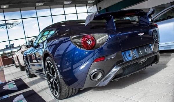 Aston Martin V12 Zagato-5