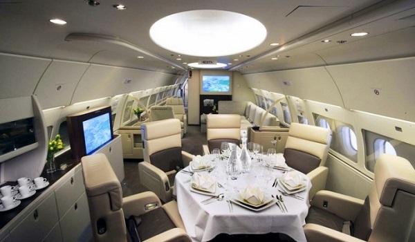 Самолет Амбани